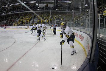 Michigan Ice Hockey vs Wisconsin - 5