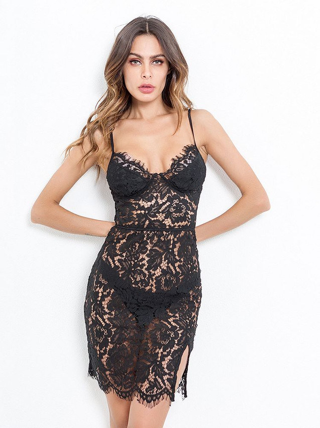 Elegant Chemise Lingerie With Floral Lace Design Equipped With Zip Back Design, Side Slips At Thighs And Nylon Modesty Cup Covers