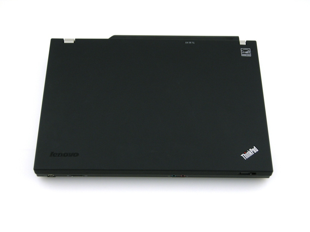 Lenovo Thinkpad T400 - Closed View