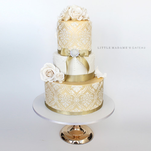 pearl gold wedding cake