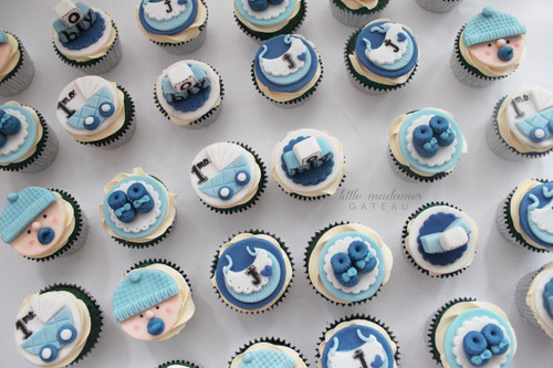 boy simple baby shower cupcakes