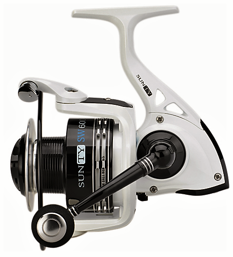 SUNSET SUNTY SW6006FD SURF CASTING REEL/ Big Size 6000/ Front Drag/6 ball bearings (BB)/ Capacity: 175m of 0.40mm / Alloy Spool/ Extra Carbon Spool/ Infinite anti-return/ Reinforced Bail Arm/ SS Screws/ Gear Ratio: 5.2:1