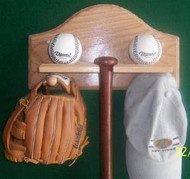BASEBALL BAT AND BALL DISPLAY, Combo Bat, Balls, Glove & Hat Display AA 207