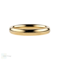 Vintage Ladies Wedding Ring, 9 Carat Yellow Gold Court Comfort Fit Band. 1990s. Size M / 6.25, 2.7 grams.