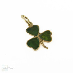 Mid Century Clover Charm, 9ct Gold Irish Connemara Marble Small Pendant. Irish Hallmarks, Circa 1960s.