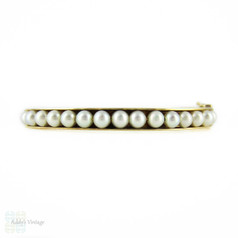 Cultured Pearl 9k Bangle Bracelet, 1960s Vintage 9ct Yellow Gold Bracelet.