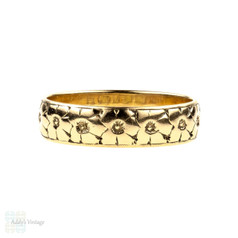 Vintage Engraved Flower Blossom 9ct Wedding Ring, 9k Gold Band by Bravington's. Size L / 5.75.