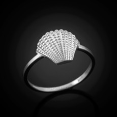 Silver seashell ring.