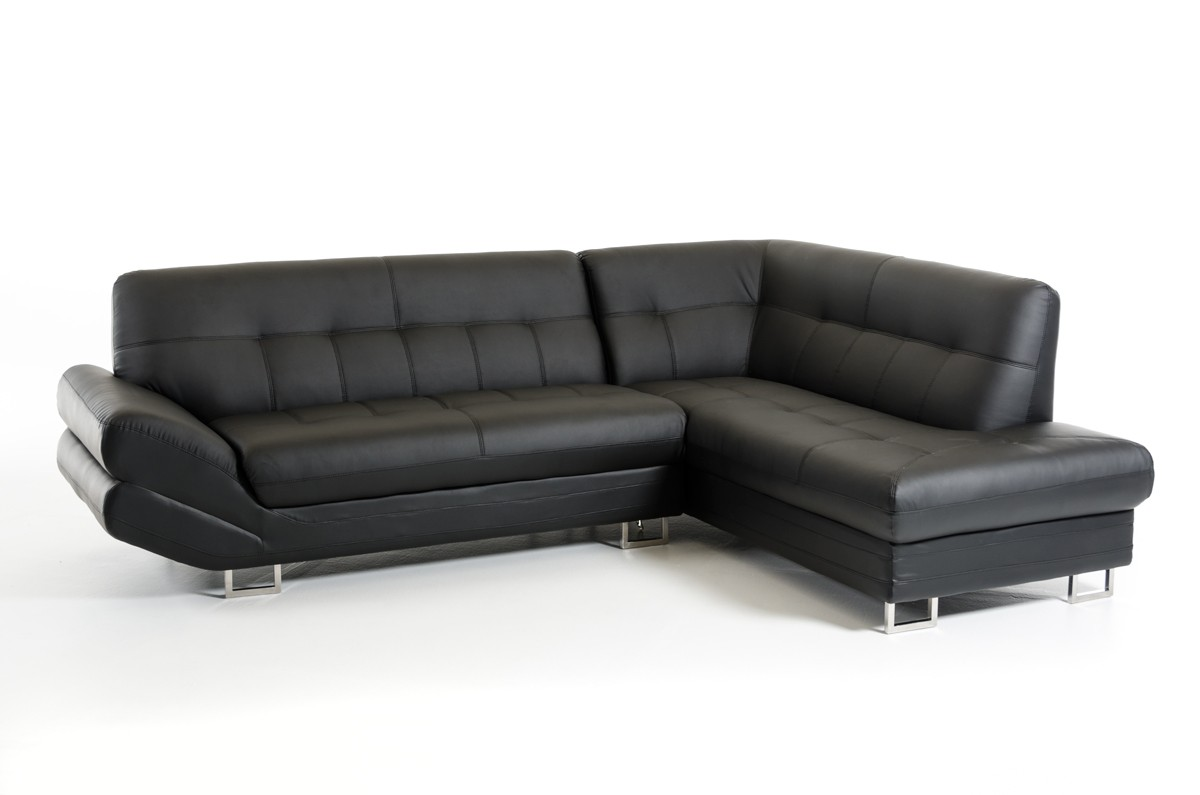 This is the Arianna Nero Contemporary Sectional Sofa In Bonded Leather Available at Advancedinteriordesigns.com