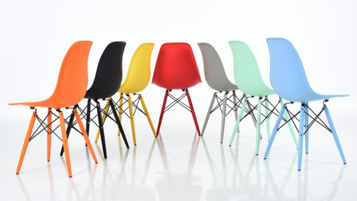 eiffel-chairs-in-many-colors.jpg