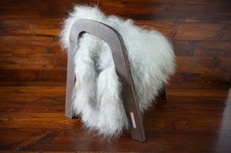 Oak wood Magazine Rack with genuine silver Norwegian Pelssau sheepskin rug - soft curly wool - (MR10)