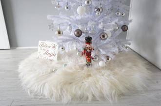 Luxurious Genuine Icelandic Christmas Tree Skirt | Sheepskin Rug | Round Shape | Fluffy Extra Long Wool | Christmas Decoration