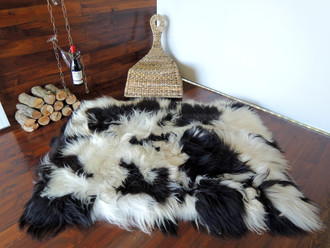 Amazing Genuine Rare Icelandic Breed - Rectangular Sheepskin Rug - Natural White / Black - eRCTI 9