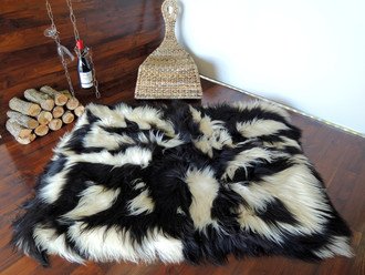Amazing Genuine Rare Icelandic Breed - Rectangular Sheepskin Rug - Natural White / Black - eRCTI 10