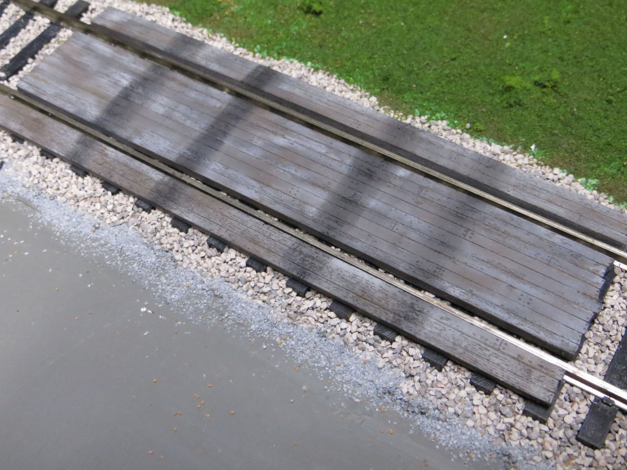 48-3000 2 Rail O Scale Wood Grade Crossing Kit Resin Straight EXTREMLY  DETAILED!
