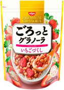 Nissin Japan  Gorotto Premium Granola Strawberry 400g (Best Before 2021.07.05)