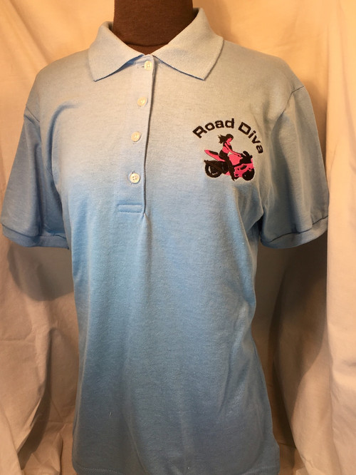 50% cotton, 50% polyester  slightly contoured for a flattering fit clean-finished side vents SpotShield™ stain-resistant treatment welt-knit collar side seamed back neck tape for a clean, comfortable finish tagless label pearlized buttons with durable cross stitching elongated four-button placket with bottom box stitch reinforcement double-needle stitched bottom hem 1x1 rib knit sleeve bands