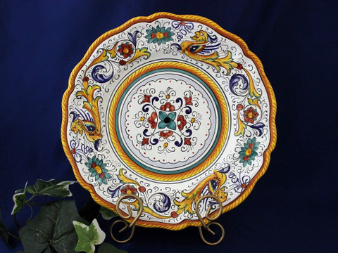 Deruta Raffaellesco Scalloped Plate