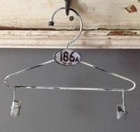 CIH209 - Farmhouse Hanger Zinc