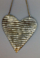 CIH214 - Farmhouse Heart Corrugated Zinc