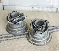 CIH245 - Flower Candle Holder - Zinc