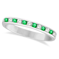 14k White Gold 12-Stone Emerald Chanel Ring (1/3ctw)