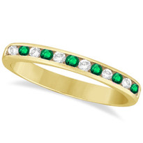 14k Yellow Gold 12-Stone Emerald Chanel Ring (1/3ctw)