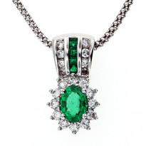 Emerald Diamond Pendant with FVS2 Dia