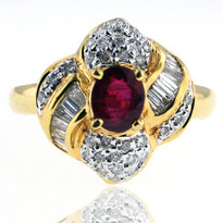 18kt Yellow Gold Ruby Diamond Ring