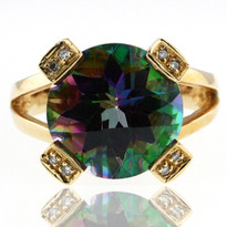 14kt Yellow Gold Mystic Topaz Ring w. Dia