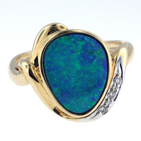 14kt Yellow Gold Opal Diamond Ring