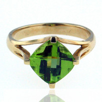 14kt Yellow Gold Peridot Ring