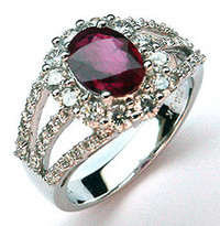 18kt White Gold Ruby Ring with Diamonds