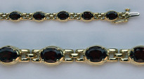 Garnet Bracelet in 14kt Yellow Gold