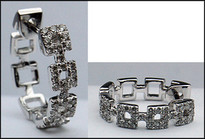 18kt Square Diamond Earrings