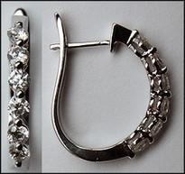 Single Row Diamond Clip Earrings 18kt