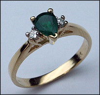 14kt Three Stone Emerald & Diamond Ring