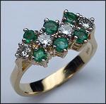Emerald & Diamond Ladies Ring - 14kt Yellow