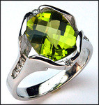 4.40ct Peridot and Diamond Ring