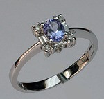 14kt Gold Tanzanite and Diamond Ring