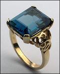 14kt Gold Blue Topaz Ring