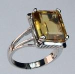 14kt Gold Citrine Ring R599