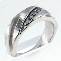 14kt White Gold, .15ct Diamond Wedding Band