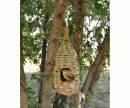 Songbird Essentials Hanging Grass Roosting Pocket Teardrop SE938
