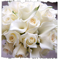 12 White Roses And Calla Lily Bunch