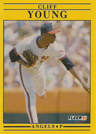 1992 Fleer #73 Cliff Young VG California Angels