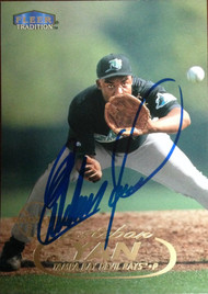 Esteban Yan Autographed 1998 Fleer Tradition #425