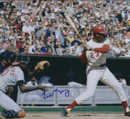 Lee May Autographed Reds 8 x 10 Photo 4