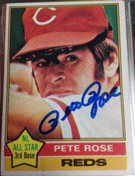 Pete Rose Autographed 1976 Topps #240