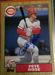 SOLD 3114 Pete Rose Autographed 1987 Topps #200